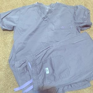 Med couture gray scrub set size small